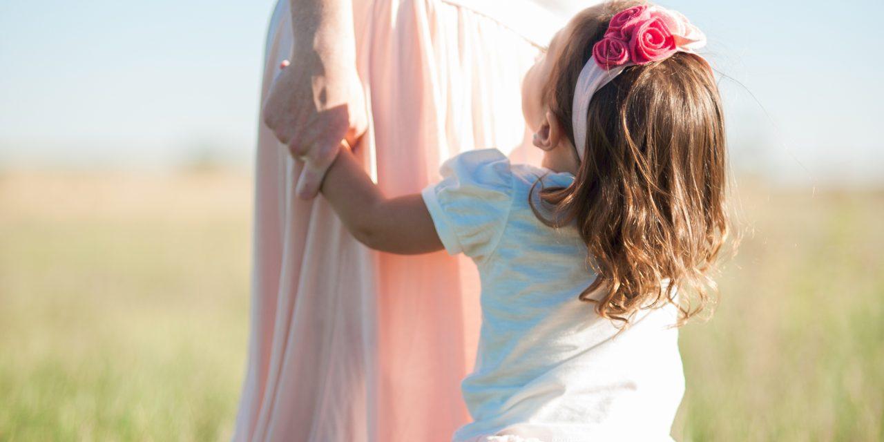 Practica feminina – Exercitiu de vindecare si conectare cu mama