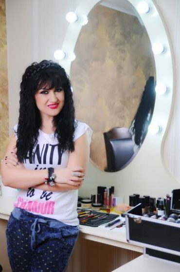 5 trucuri pentru un makeup de sărbători sclipitor 1
