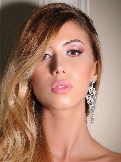 5 trucuri pentru un makeup de sărbători sclipitor 2
